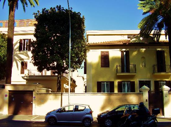 "Casa di Accoglienza ""Paolo VI"": A street view of the Paul VI Guest House"