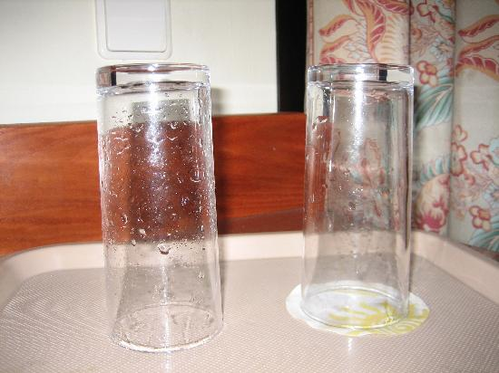 Sunlight Bahia Principe Costa Adeje : Clean glasses