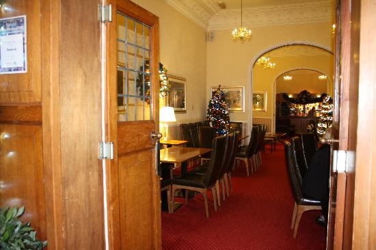 The Headland Hotel : lounge