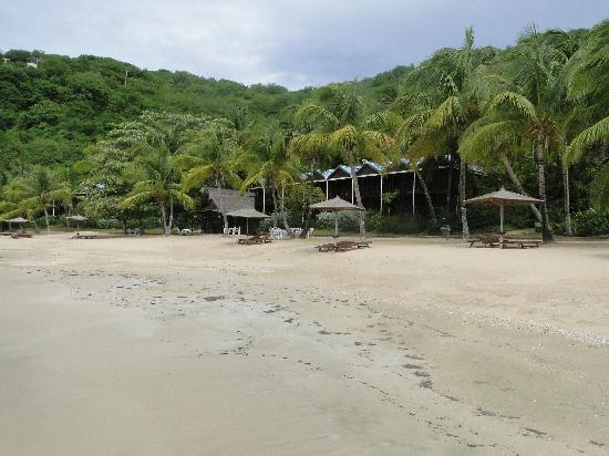 Tamarind Beach Hotel & Yacht Club: More of 'our' beach...