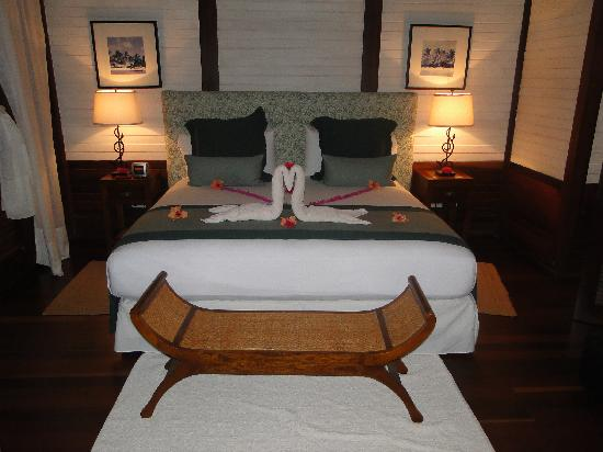 تماريند بيتش هوتل آند ياكت كلوب: Bedroom of our suite