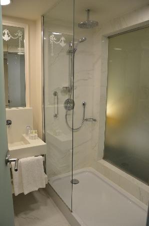 Crowne Plaza St. Petersburg - Ligovsky: Standard Bathroom