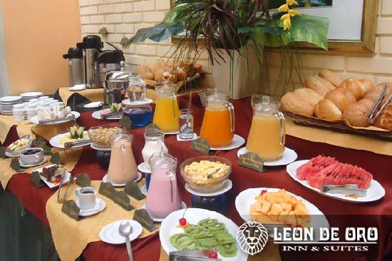 Leon de Oro Inn & Suites: Cafeteria Sierra Leon - Desayuno Buffet