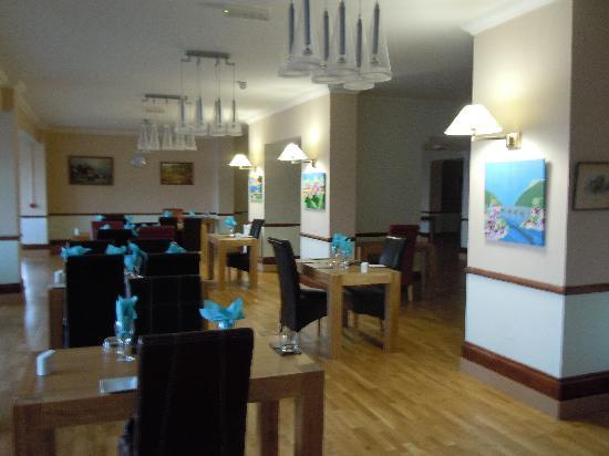 Gracellie Hotel: Restaurant