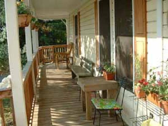 Huckleberry House: Front porch