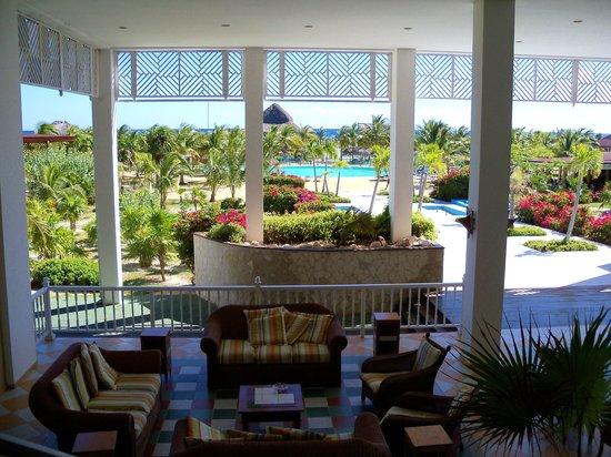 Hotel Ole Playa Blanca: Playa Blanca Lobby Grounds