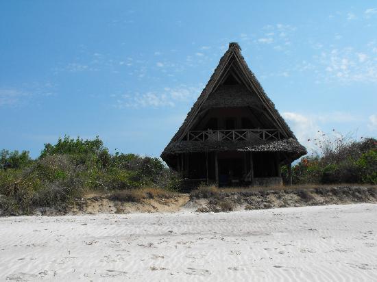 Lazy Lagoon: Lodge on the beach