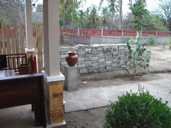 Tropical Hideaways Resort: view from bedroom