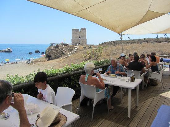 Bahia Beach: terraza con vistasa la torre de la sal.