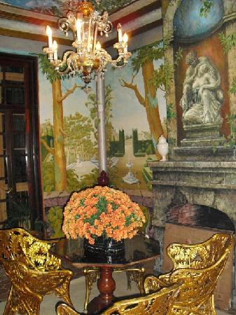 Bar Abaco: Salón con frescos