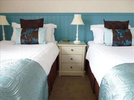 Elmswood House: Twin Bedded Room