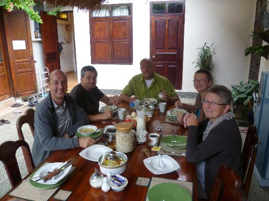 Manichan Guesthouse: breakfast time