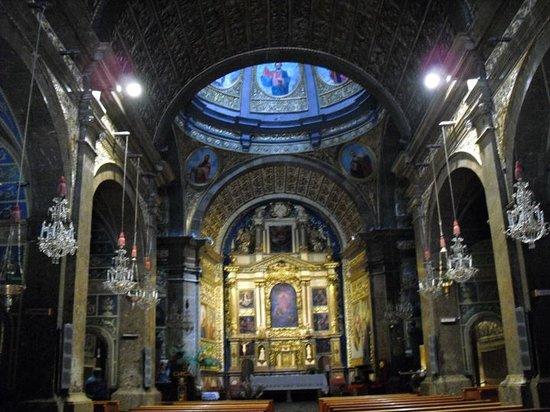 Lluc, Spain: Nave central de la iglesia