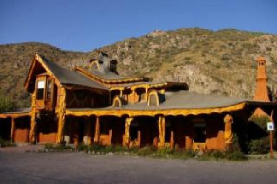 Hermoso restaurant picture of casa bosque santiago - Casas el bosque ...