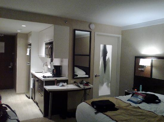 Staybridge Suites Times Square - New York City : Spotless room, shame about the bed.