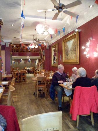 Auberge Brasserie: Interior downstairs