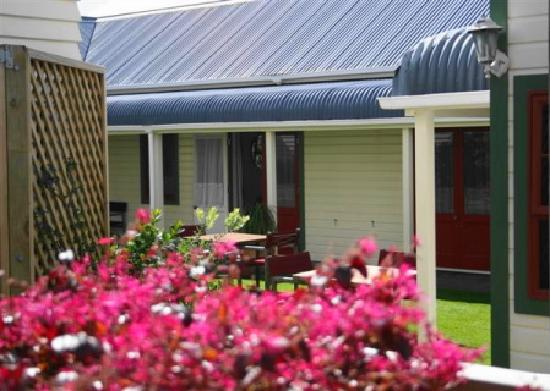 Ducks & Drakes Hotel : Charming Cottage Rooms