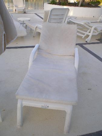 Hotel THe Volcan Lanzarote: sun lounger