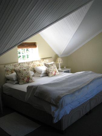 Knorhoek: Kingsize bed in suite