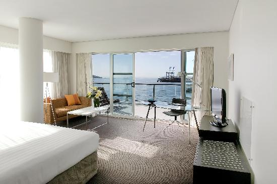 Hilton Auckland: Harbour View Plus Room
