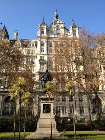 โรงแรม เดอะ รอยัล เฮาส์การ์ด: Royal Horseguards Hotel