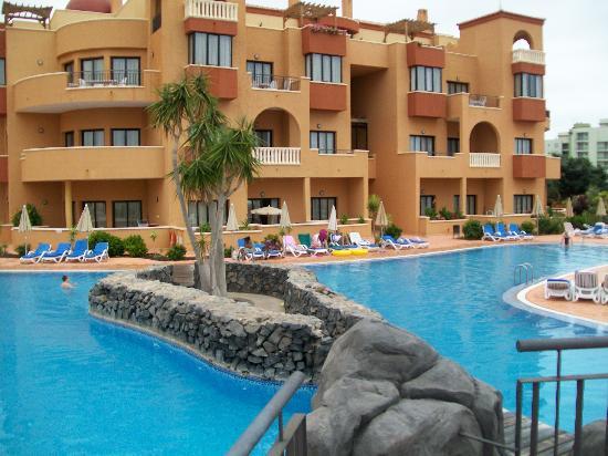Aparthotel Cordial Golf Plaza: swimming pool