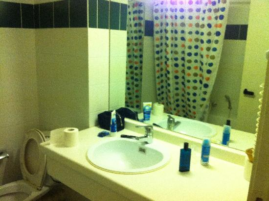 Hobbit Hotel Zaventem: Bathroom