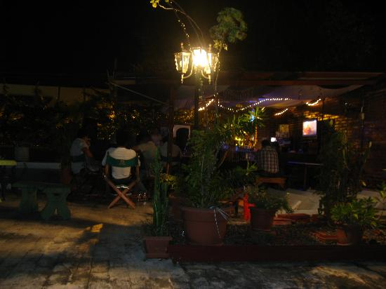 Hotel Los Jicaros: Variety of drinks and casual dining at our Tiki Bar