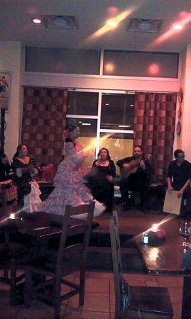 Andalucia Tapas Restaurant & Bar: Great night of Fun.