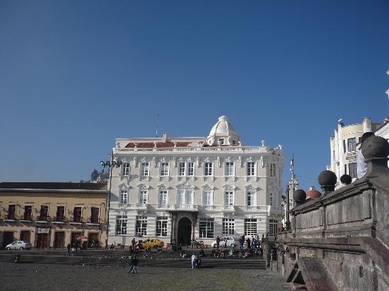 Casa Gangotena : Vista del Hotel desde la Plaza