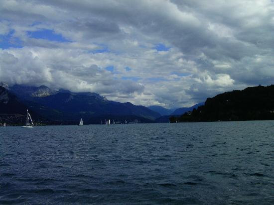 Mercure Annecy Centre : Lake Annecy
