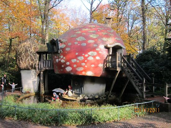 Efteling: the small houses