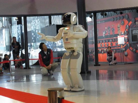 National Museum of Emerging Science and Innovation Miraikan : ASIMO dancing show
