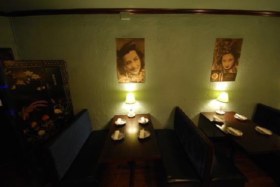 Cafe China: The booth