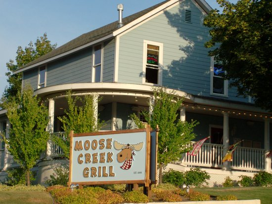 Moose Creek Grill: A Historic Victorian Home