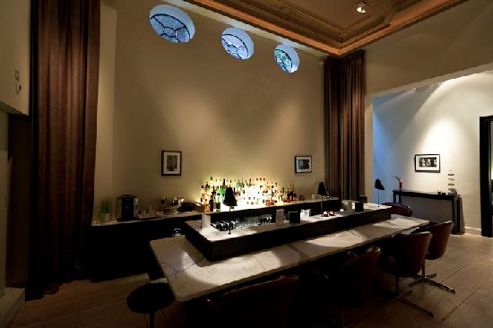 Bar picture of hotel julien antwerp tripadvisor for Design hotel antwerpen