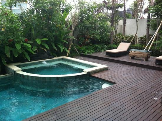 ‪‪Pandawa Beach Villas & Spa‬: pool at yudhistra villa‬