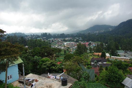 King Fern Bungalow: View on Nuwara Eliya