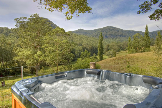 Minimbah Farm Cottages: The Spa at the Old Homestead