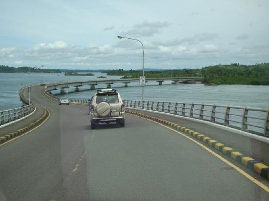 San-Juanico-Brücke: View from the center of the bridge