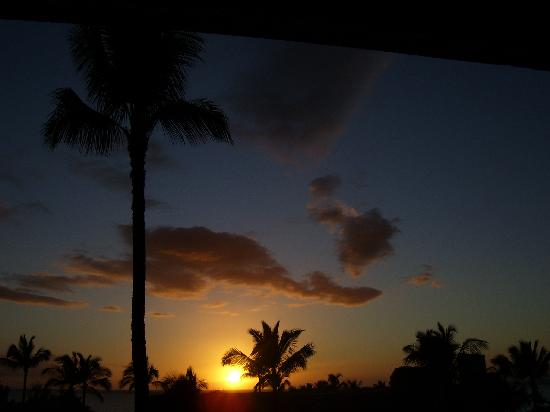 Kihei Akahi: Typical Sunset
