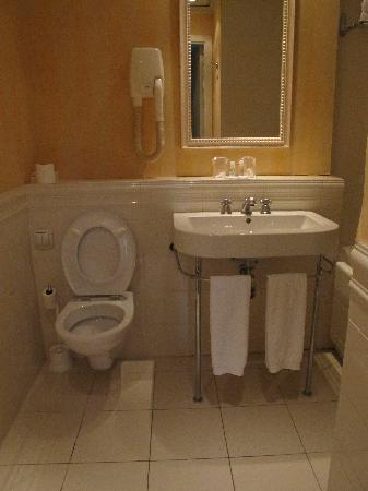 Floride Etoile Hotel: Bathroom