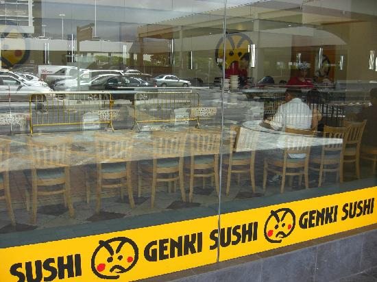 Genki Sushi: 入口と店内