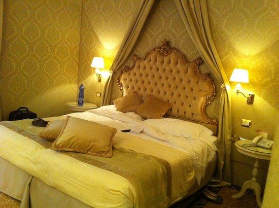 Hotel Al Duca di Venezia: pretty room