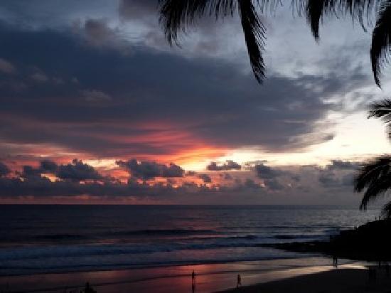 โซมาธีแรมเอยูรเวดารีสอร์ท: Sunset am Beach