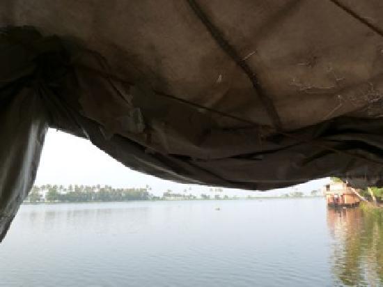 โซมาธีแรมเอยูรเวดารีสอร์ท: Blick vom Deck
