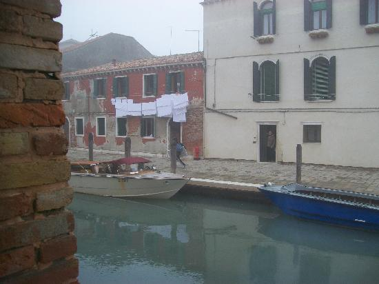 Eurostars Residenza Cannaregio: View from the room on a foggy morning