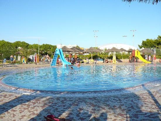 Villaggio Turistico Internazionale: Piscina