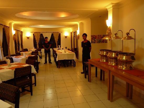Hotel Holy Himalaya: Restaurant