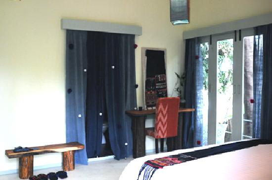 Ock Pop Tok Villa: Hill Tribe room with balcony